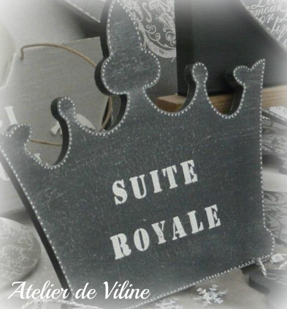 """couronne bois avec l'inscription """"suite royale"""""""